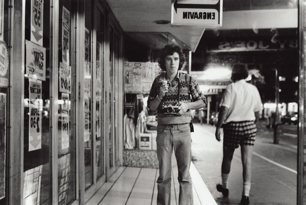 Murray Cammick on Queen St, Auckland, 1976. Photo: M Cammick, Photospace Gallery 37 Courtenay Place Wellington Aotearoa new Zealand, contemporary photography gallery wellington NZ